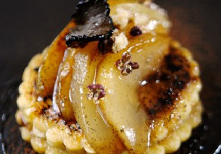 FRENCH TOAST WITH CARAMELIZED PEARS AND TRUFFLE