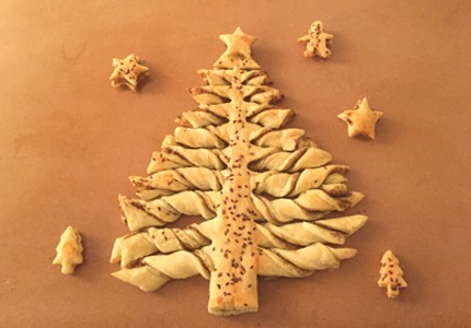 PUFF PASTRY CHRISTMAS TREE